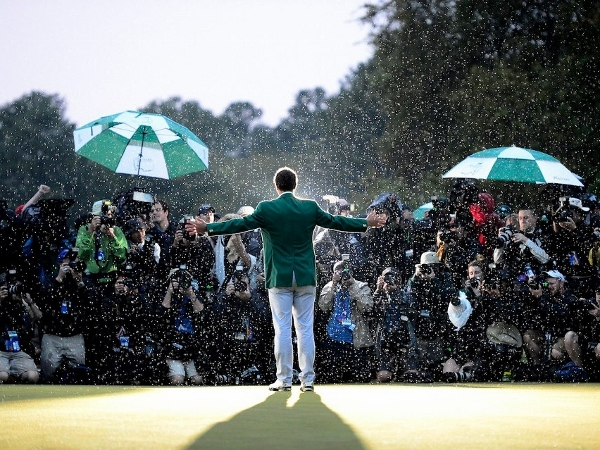 Scott buttons up Australia's first Green Jacket