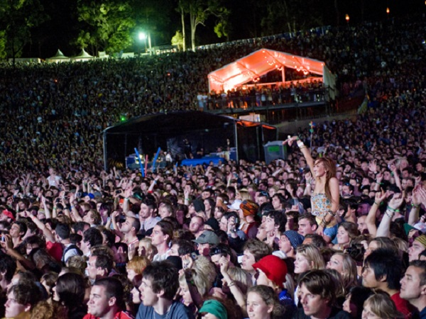 pic_splendour_crowd_03-600x400