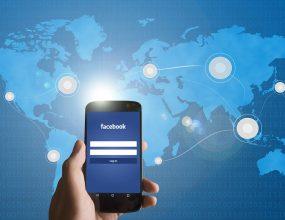 Senator Xenophon calls for Facebook to remove 'fake news.'