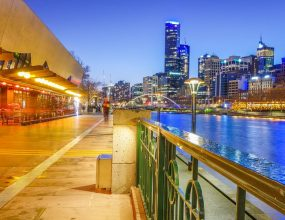 Melbourne's warm weather here to stay