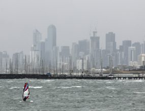 Melbourne to face destructive winds