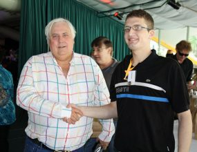Clive Palmer gets aggressive in an interview.