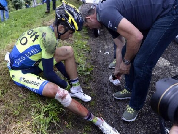 Nibali stands up as tour favourites fall