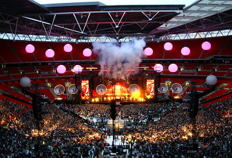 800px-Muse_Wembley_Stage