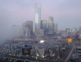 """Flights delayed as """"pea soup"""" fog hits Melbourne"""