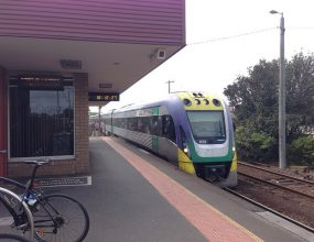 Labor promises Geelong rail upgrade