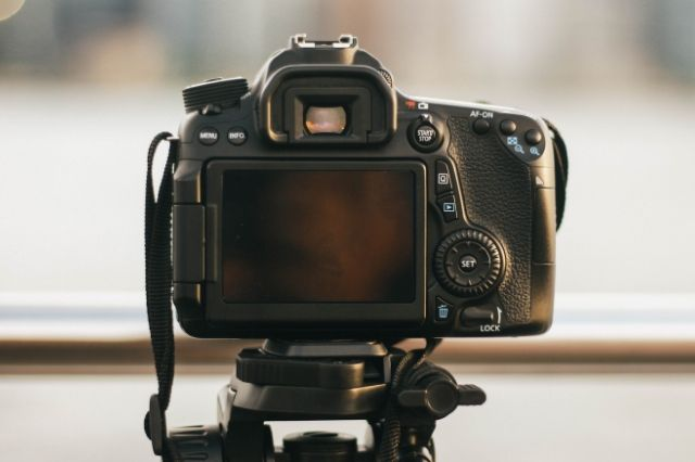 Are DSLR cameras about to become extinct?