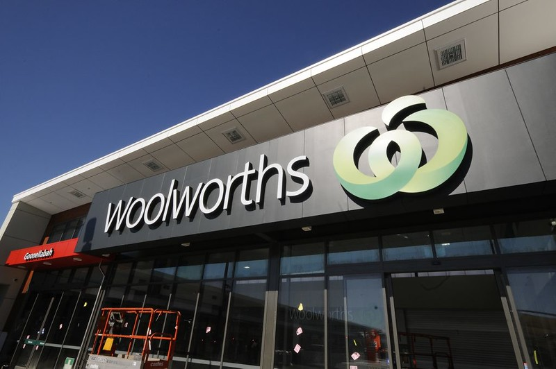 Woolworths to shift stores to online hubs