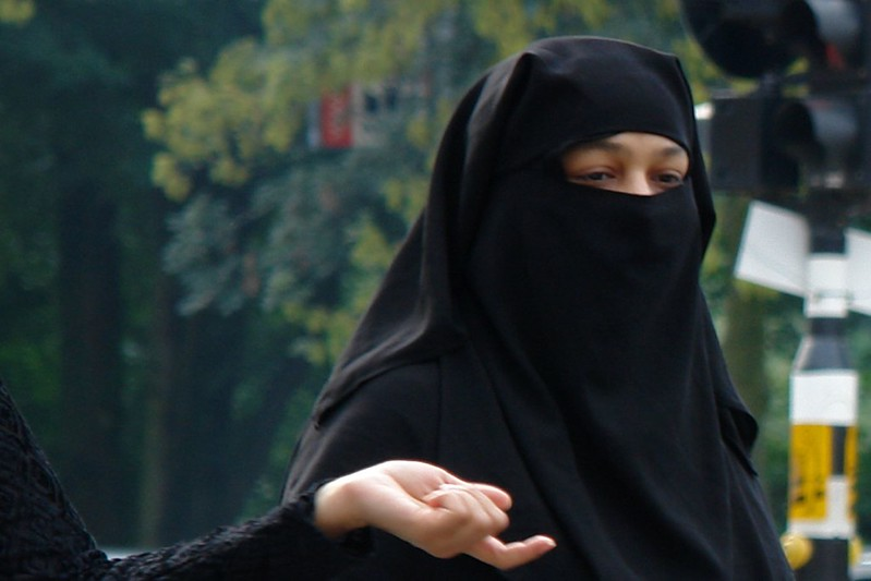 Sri Lanka joins Switzerland in banning the burqa
