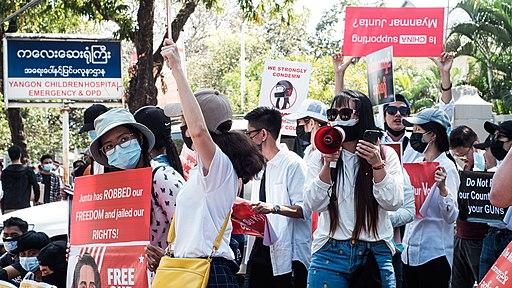 Two Australians detained by Myanmar Junta