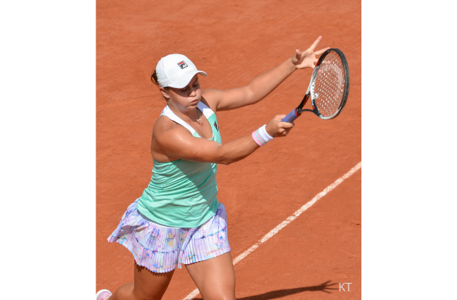 Ash Barty advances to quarter-finals of Madrid Open
