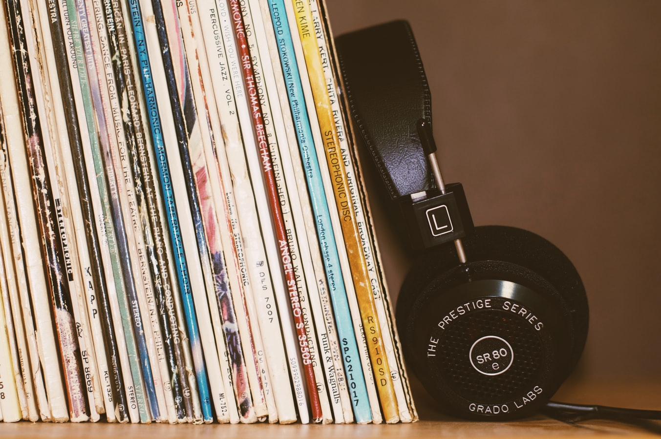 Who wins from the increased sale of vinyl?